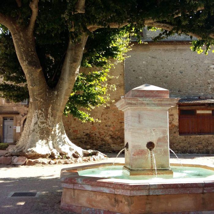 Caunes Minervois joli village près de Carcassonne