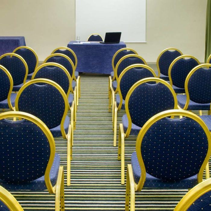 salle_seminaire hotel des 3 couronnes